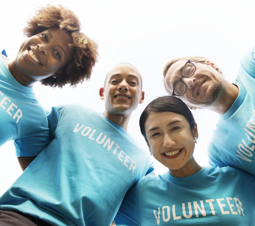volunteer-3980607_1280